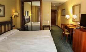"""Foto de una habitación de """"Hotel Puente Romano de Salamanca"""""""
