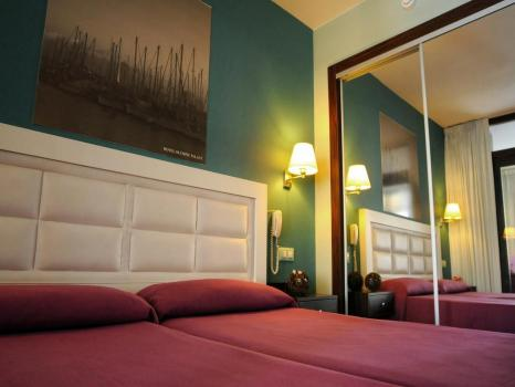 Quarto - Hotel Evenia Olympic Palace