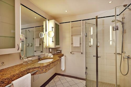 Bathroom – Hotel Ramada Plaza Berlin
