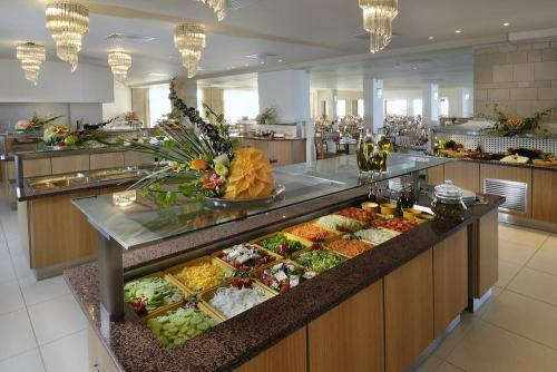 Restaurant - Annabelle Beach Resort