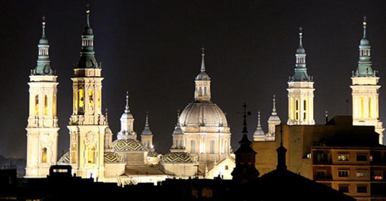 Fotografía de Zaragoza: Vista de la basilica del Pilar de noche