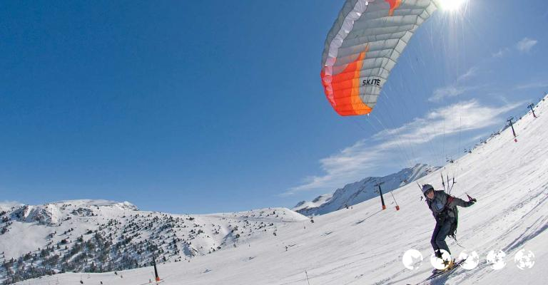 Fotografía de Huesca: Esquí con parapente. Pista Cogulla