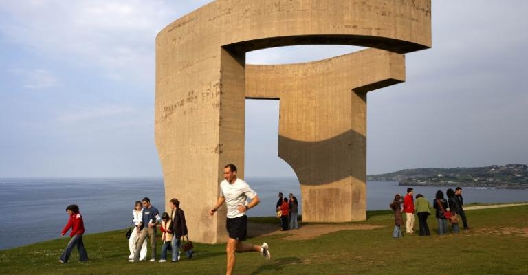 Fotografía de Gijón: Monumento elogio