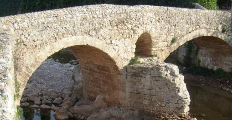 Foto von Balearische Inseln: Puente romano en Pollença