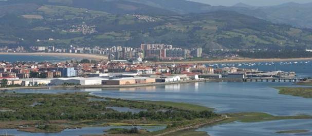 Fotografía de Santoña: Vista a Santoña desde las marismas