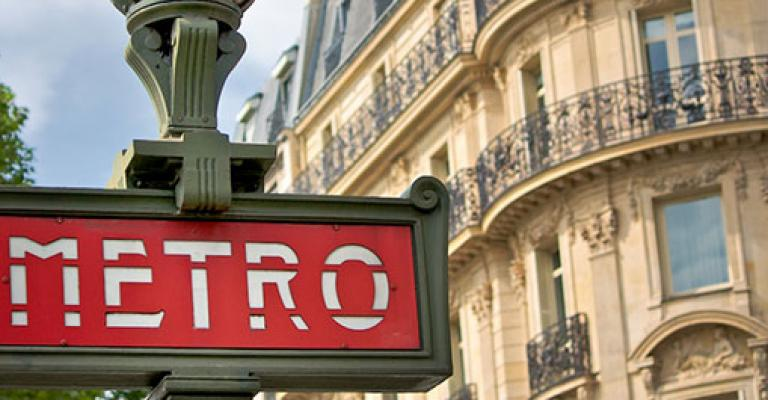 Photo France: Paris Le Metro
