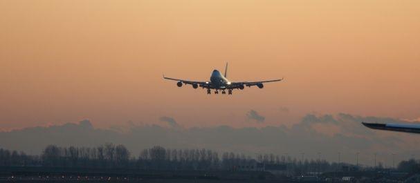 Fotografía de Schiphol: Avión aterrizando en Schiphol