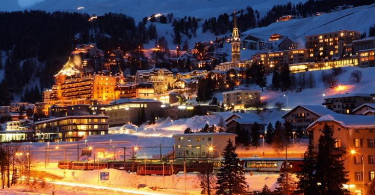 Foto von : Saint Moritz de noche