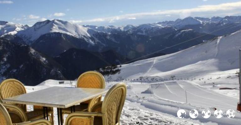 Foto von Ordino: Cafetería en pistas