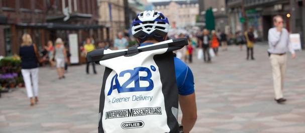 Fotografía de Europa: Mensajero en bici, Helsinki